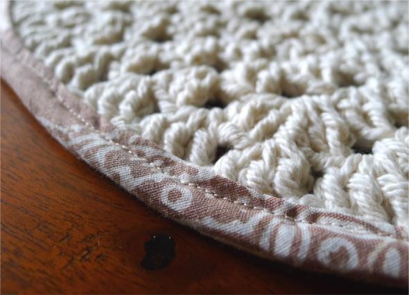 crochet placemat 1