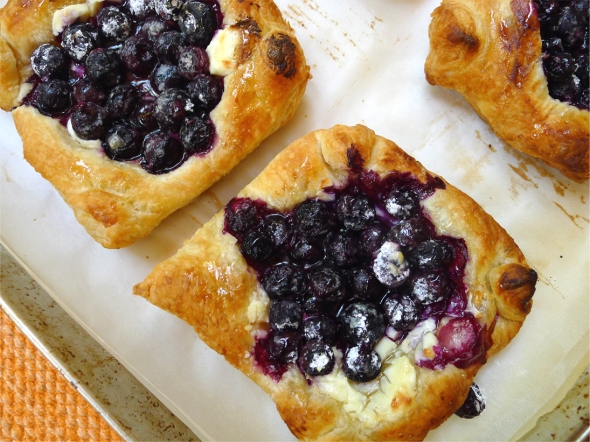 blueberry puff tart