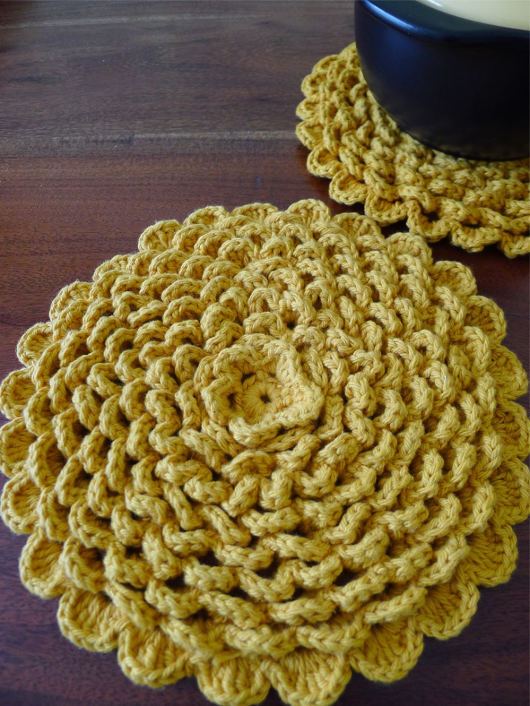 chrysanthemum pot holder 2