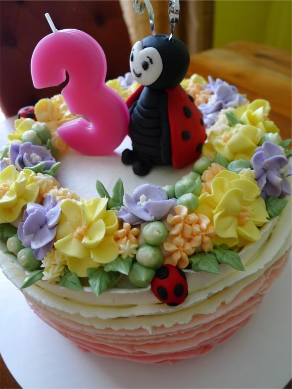 ladybug cake 4